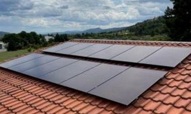 Pose de panneaux photovoltaïques - KIT 4KW avec micro onduleur Enphase à Lerm-et-Musset - Algo Standing